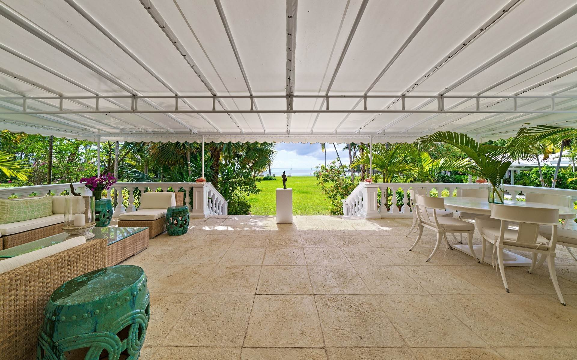 29. Single Family Homes for Rent at Magnificent Lyford Cay Beachfront Estate Lyford Cay, Nassau And Paradise Island, Bahamas