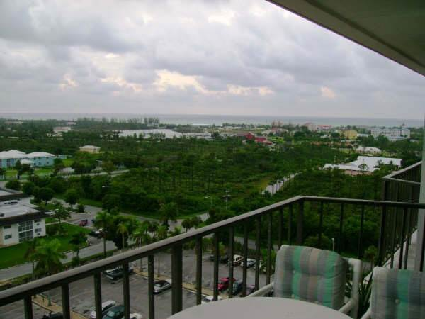 6. Co-op / Condo for Rent at Lovely Two Bedroom Condo Greening Glade, Freeport And Grand Bahama, Bahamas