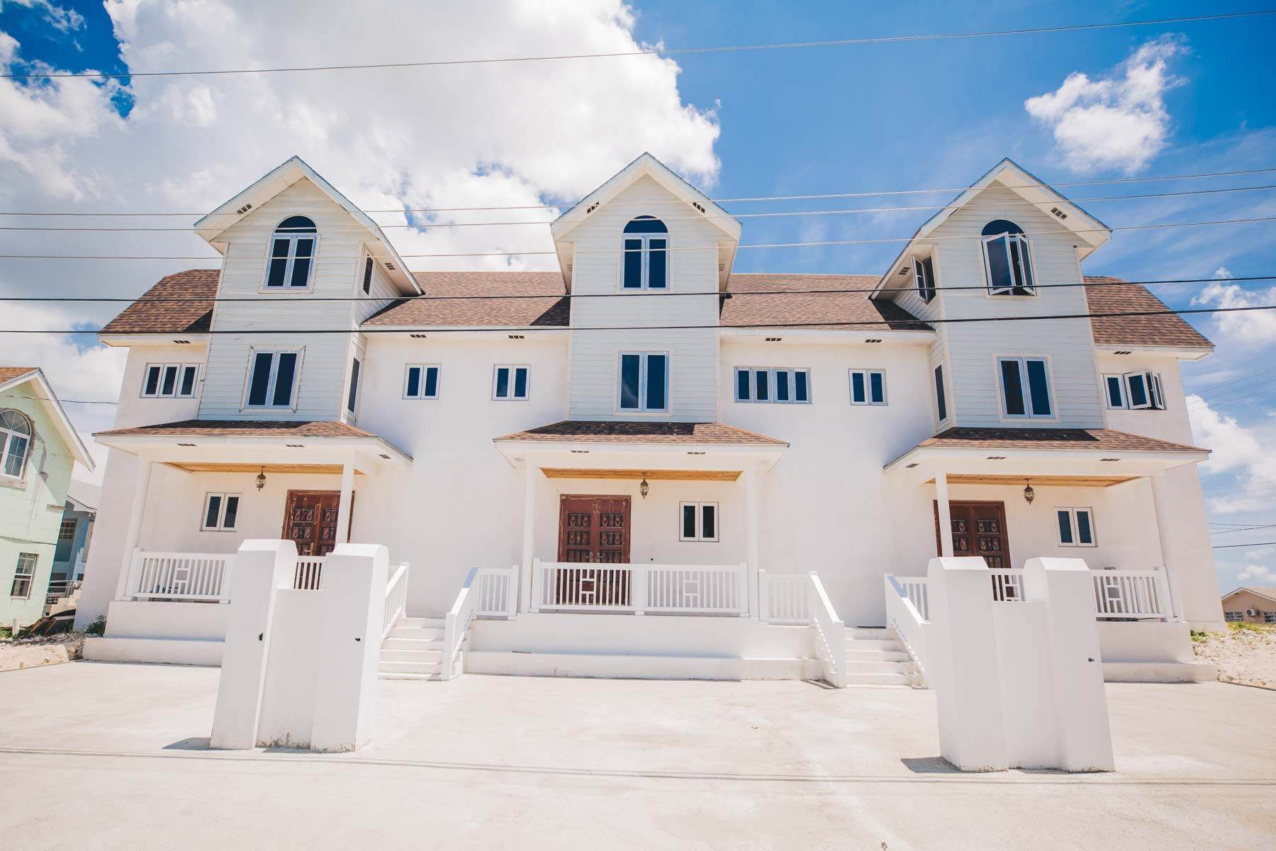 24. Multi Family for Sale at Newly Built 3 Unit, 9 Bedroom Ensuite Complex with Panoramic Views Harold Road, Nassau And Paradise Island, Bahamas
