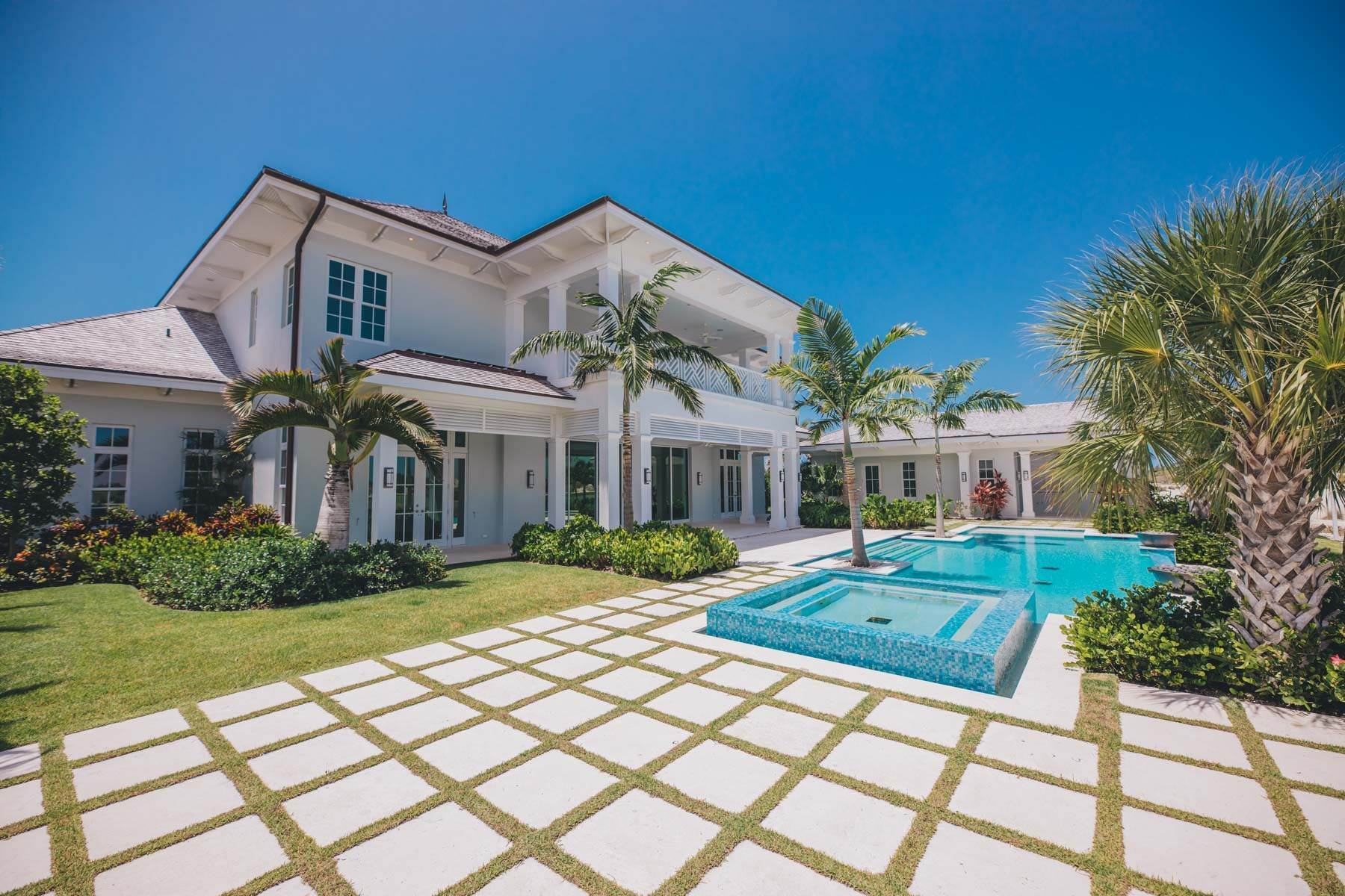 24. Single Family Homes for Sale at Immaculate Albany Golf Course Residence Albany, Nassau And Paradise Island, Bahamas