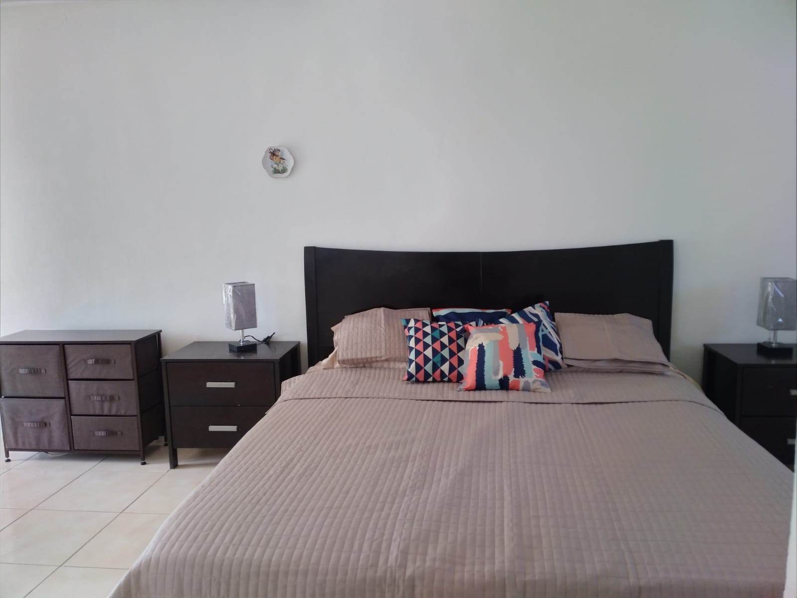 13. Co-op / Condominio por un Alquiler en Cable Beach 3 Bedroom Renovated Townhouse - MLS 44393 Nueva Providencia / Nassau, Bahamas