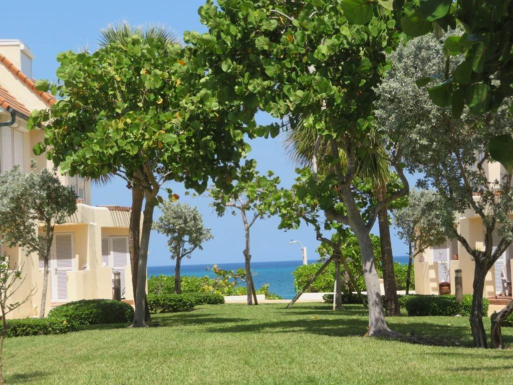 20. Co-op / Condo for Rent at Beachfront Corner unit Townhouse on Paradise Island Paradise Island, Nassau And Paradise Island, Bahamas