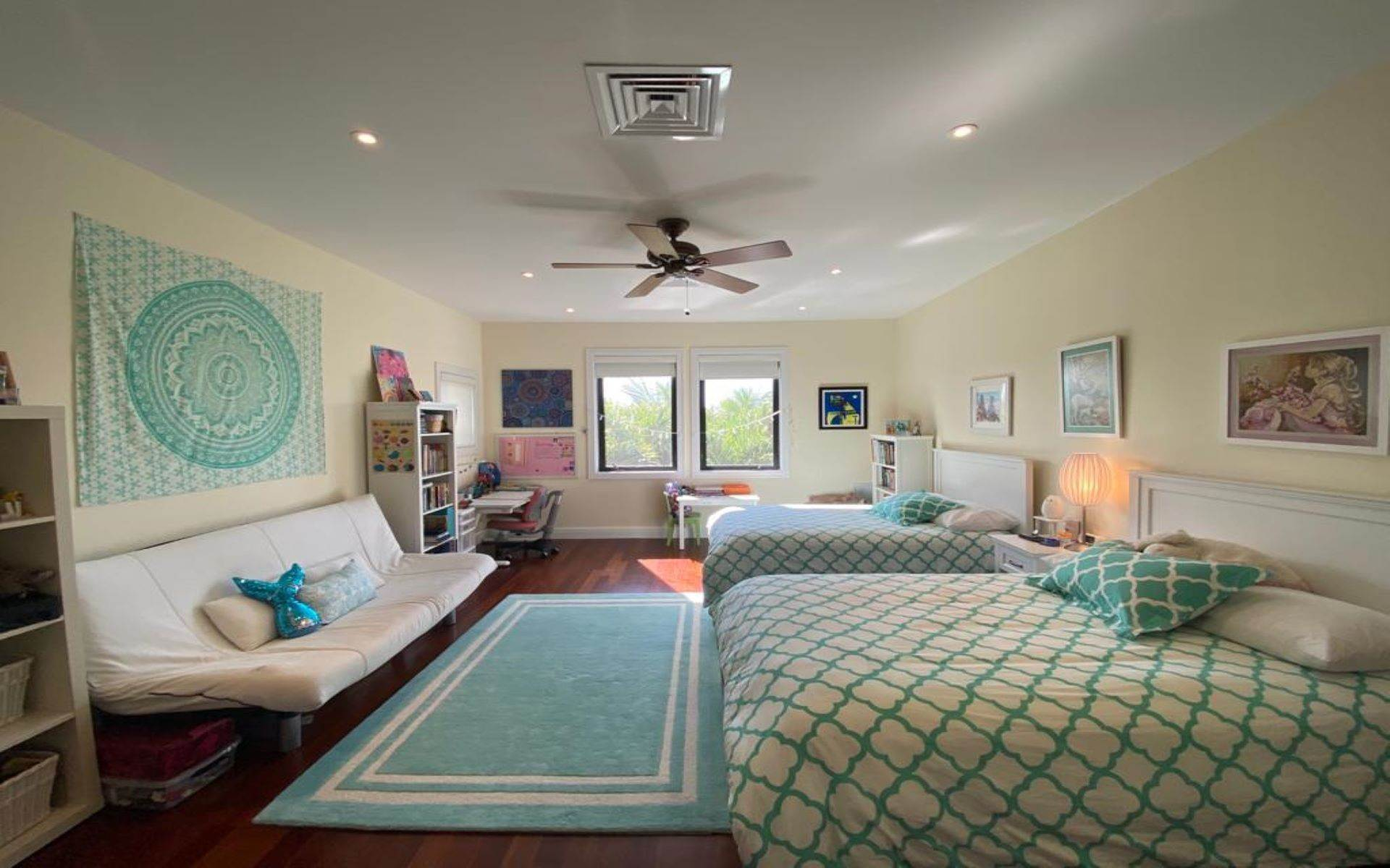 24. Single Family Homes for Sale at Immaculate House on Venetian Lane in Old Fort Bay Old Fort Bay, Nassau And Paradise Island, Bahamas