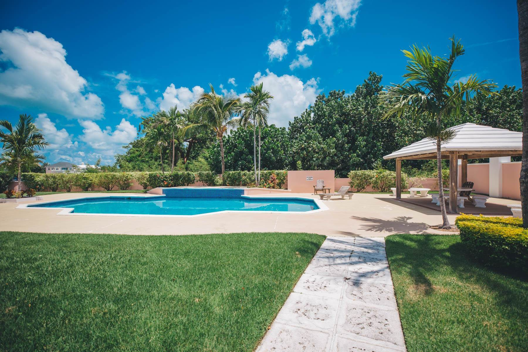 9. Co-op / Condo for Sale at Seapointe Spacious End Unit - Port New Providence St Andrews Beach, Yamacraw, Nassau And Paradise Island Bahamas