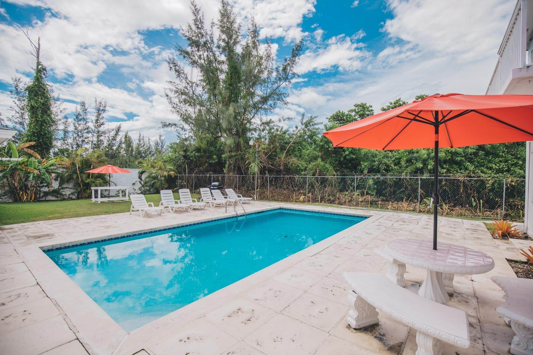 22. Single Family Homes for Rent at Excellent Family Home in Vista Marina - MLS 41677 Nassau And Paradise Island, Bahamas