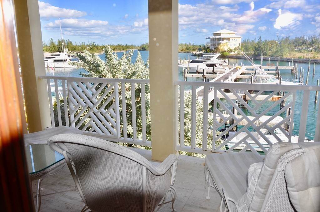 24. Co-op / Condominio por un Alquiler en Spectacular Townhouse at Grand Bahama Yacht Club for sale or rent! Bell Channel, Lucaya, Gran Bahama Freeport Bahamas