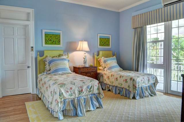 26. Single Family Homes for Sale at The Columns Eastern Road Eastern Road, Nassau And Paradise Island, Bahamas