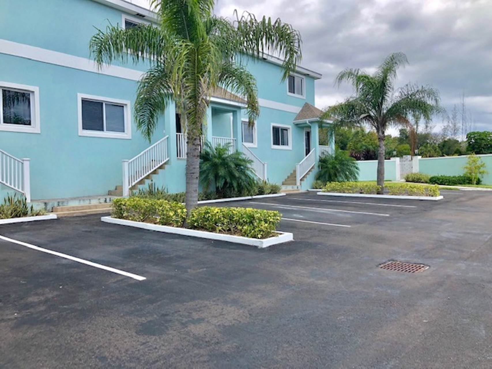 9. Co-op / Condo for Rent at Modern and renovated townhouse rental in Cable Beach Westridge Estates, Westridge, Nassau And Paradise Island Bahamas
