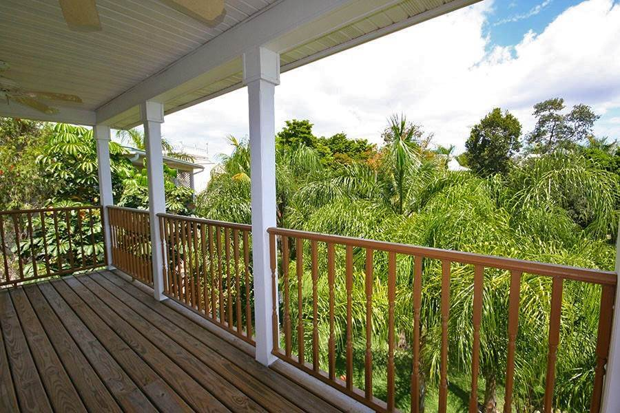 23. Single Family Homes for Rent at Newly Furnished Island Home in the Prestigious Beachfront Gated Community of Shoreline! Fortune Beach, Freeport And Grand Bahama, Bahamas