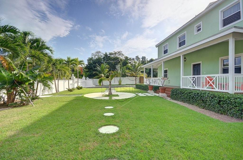 25. Single Family Homes for Rent at Modern family home in the East - MLS 40048 Camperdown, Nassau And Paradise Island, Bahamas