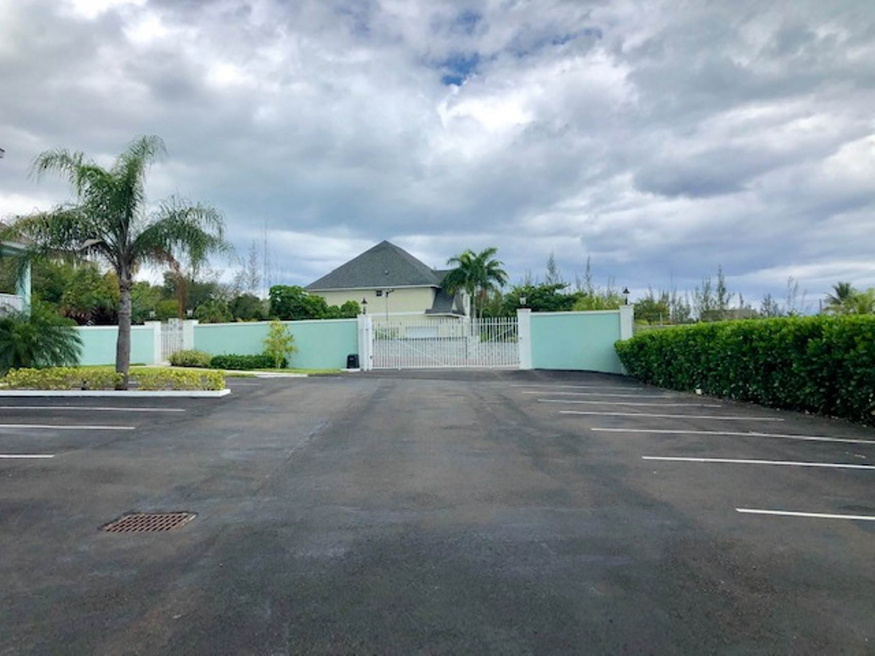 10. Co-op / Condo for Rent at Modern and renovated townhouse rental in Cable Beach Westridge Estates, Westridge, Nassau And Paradise Island Bahamas