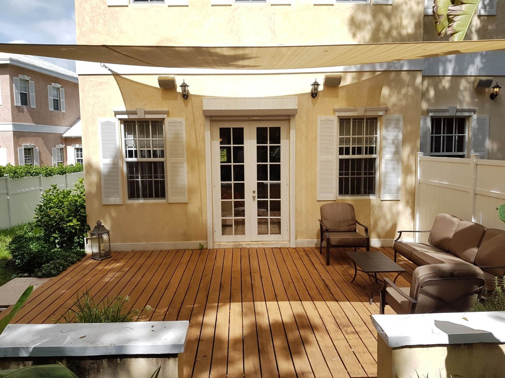 25. Co-op / Condo for Rent at Beautiful Balmoral Townhome Nassau And Paradise Island, Bahamas