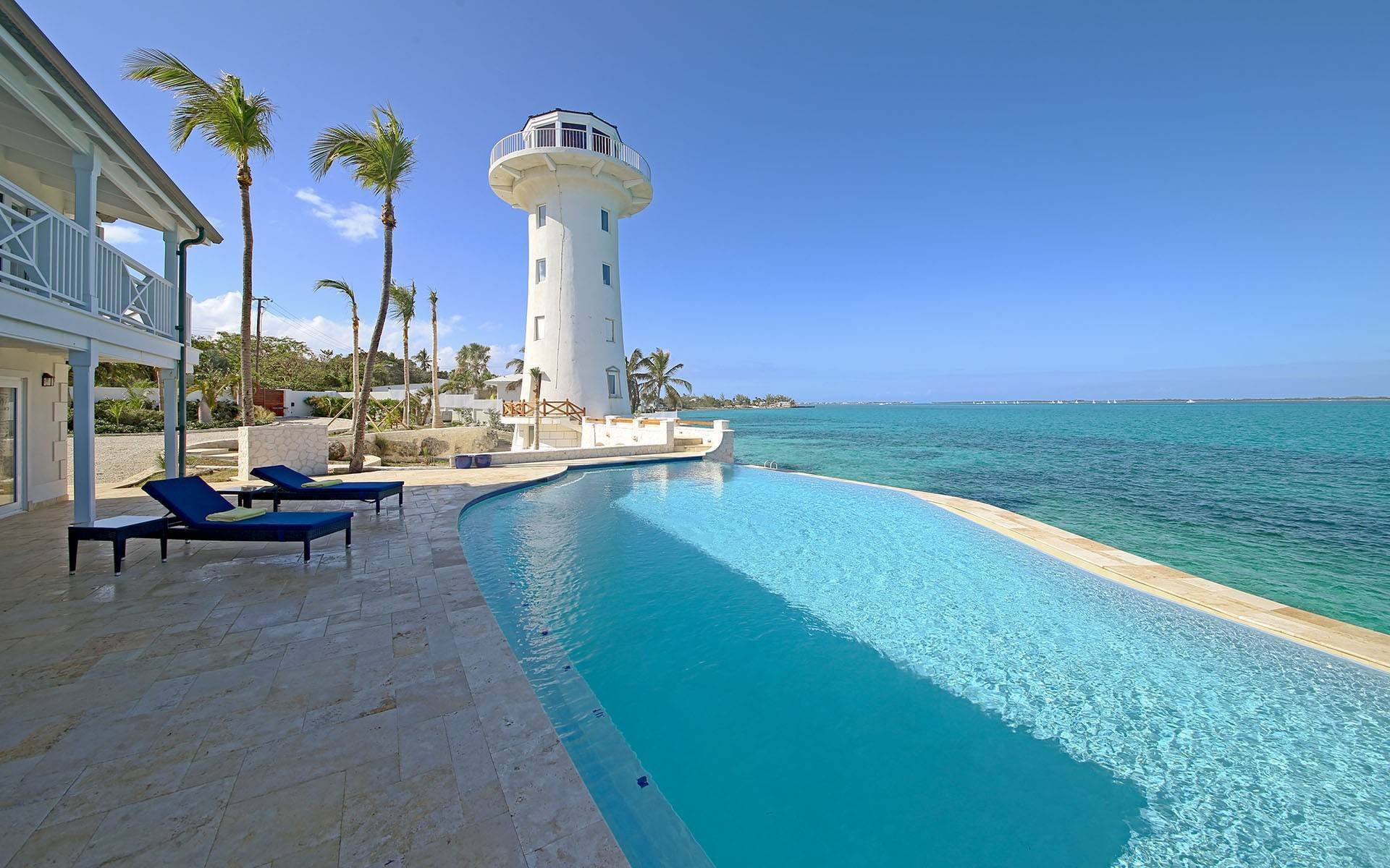 25. Single Family Homes for Sale at Solomon's Lighthouse - Waterfront Estate, Eastern Road - MLS 40121 Eastern Road, Nassau And Paradise Island, Bahamas