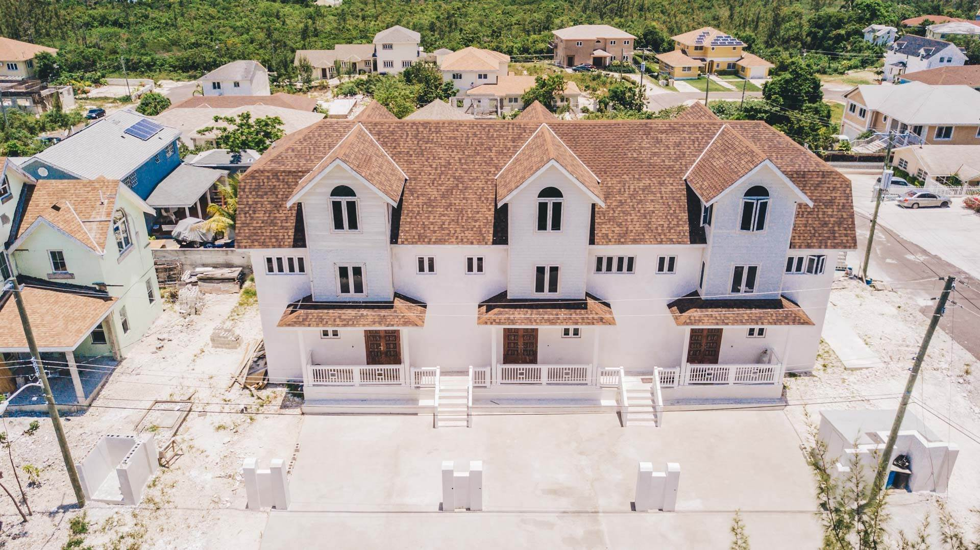 25. Multi Family for Sale at Newly Built 3 Unit, 9 Bedroom Ensuite Complex with Panoramic Views Harold Road, Nassau And Paradise Island, Bahamas