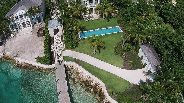 26. Single Family Homes for Rent at Beautiful Beach House Villa set on Colonial Beach, Paradise Island Western End, Paradise Island, Nassau And Paradise Island Bahamas