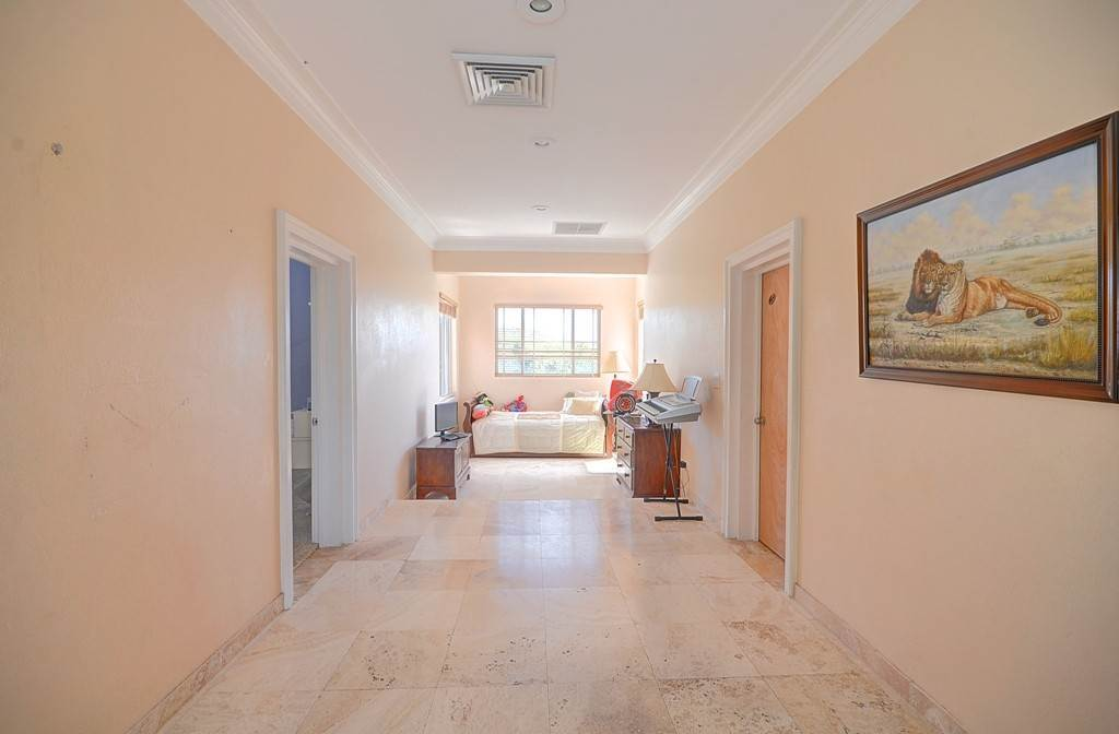 26. Single Family Homes for Sale at The Alexander Estate Eastern Road, Nassau And Paradise Island, Bahamas
