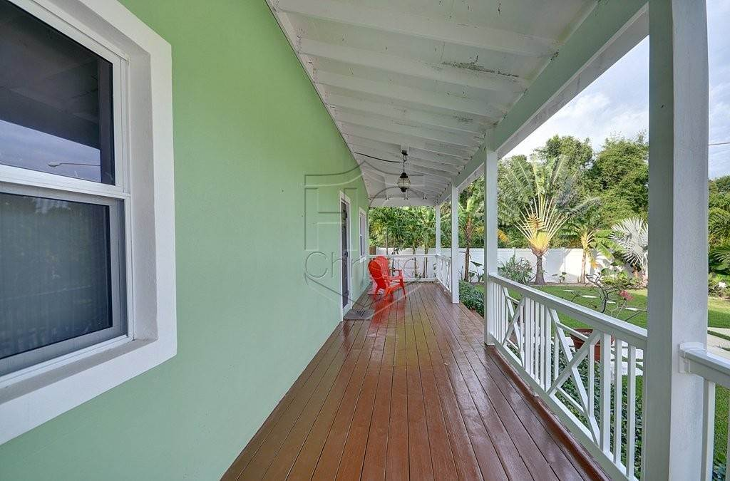 26. Single Family Homes for Rent at Modern family home in the East - MLS 40048 Camperdown, Nassau And Paradise Island, Bahamas