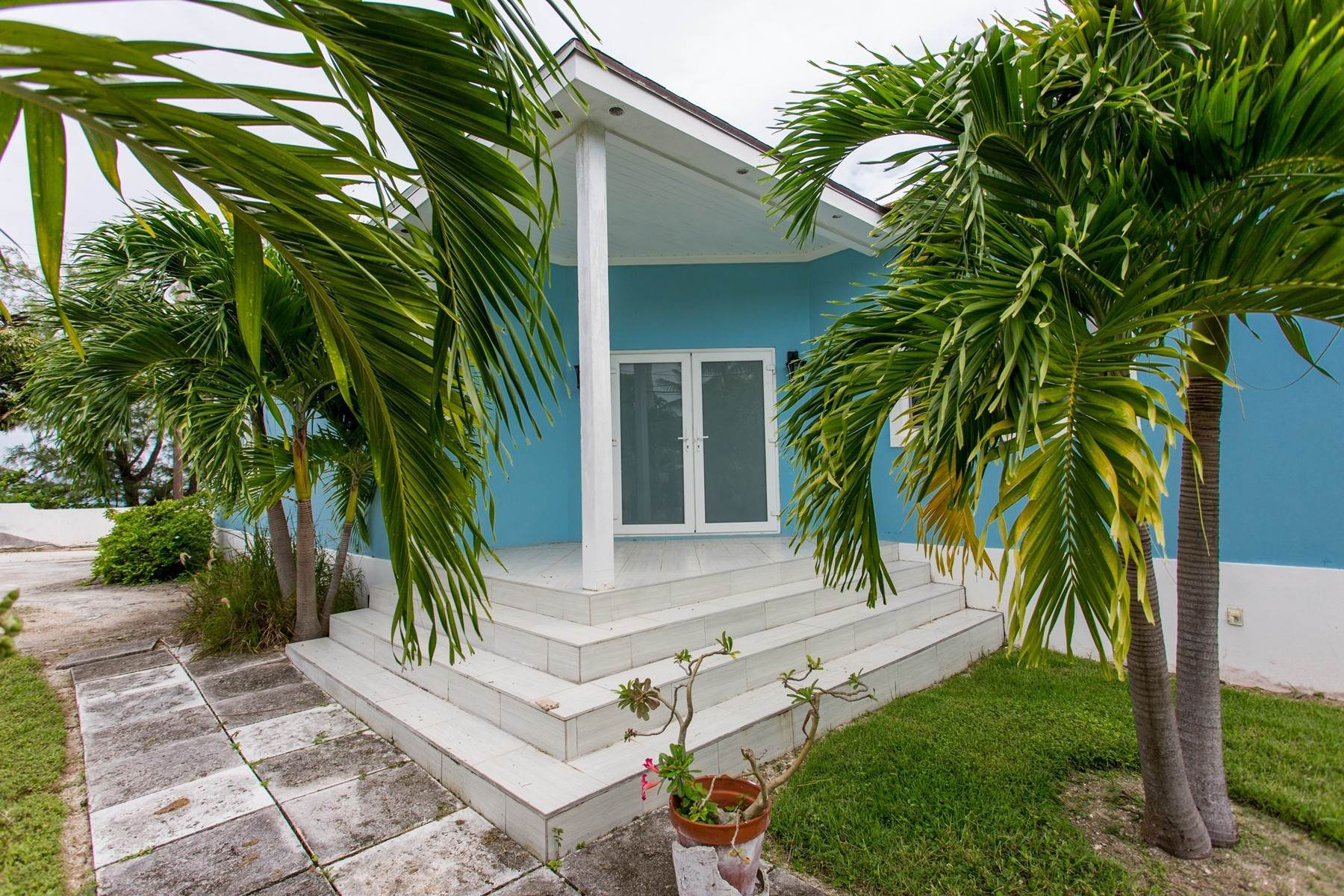 27. Single Family Homes for Sale at Eastern Road / Winton Highway Beautiful Sea Views - For Sale or Rent - MLS 39025 Eastern Road, Nassau And Paradise Island, Bahamas