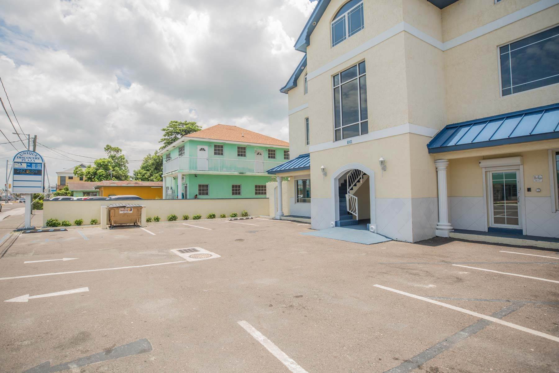 10. Commercial for Rent at Unique Discovery Plaza Upper Floor Office Space - MLS 33337 Nassau And Paradise Island, Bahamas