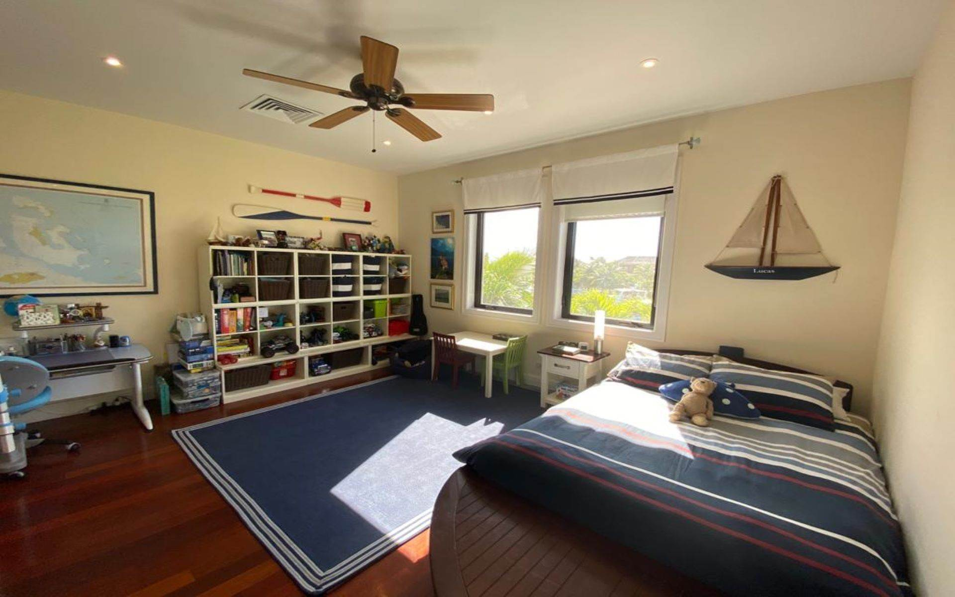 27. Single Family Homes for Sale at Immaculate House on Venetian Lane in Old Fort Bay Old Fort Bay, Nassau And Paradise Island, Bahamas
