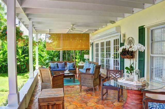 19. Single Family Homes for Sale at Tambourina Island Villa and Cottage, Eastern Road (MLS 24295) Eastern Road, Nassau And Paradise Island, Bahamas