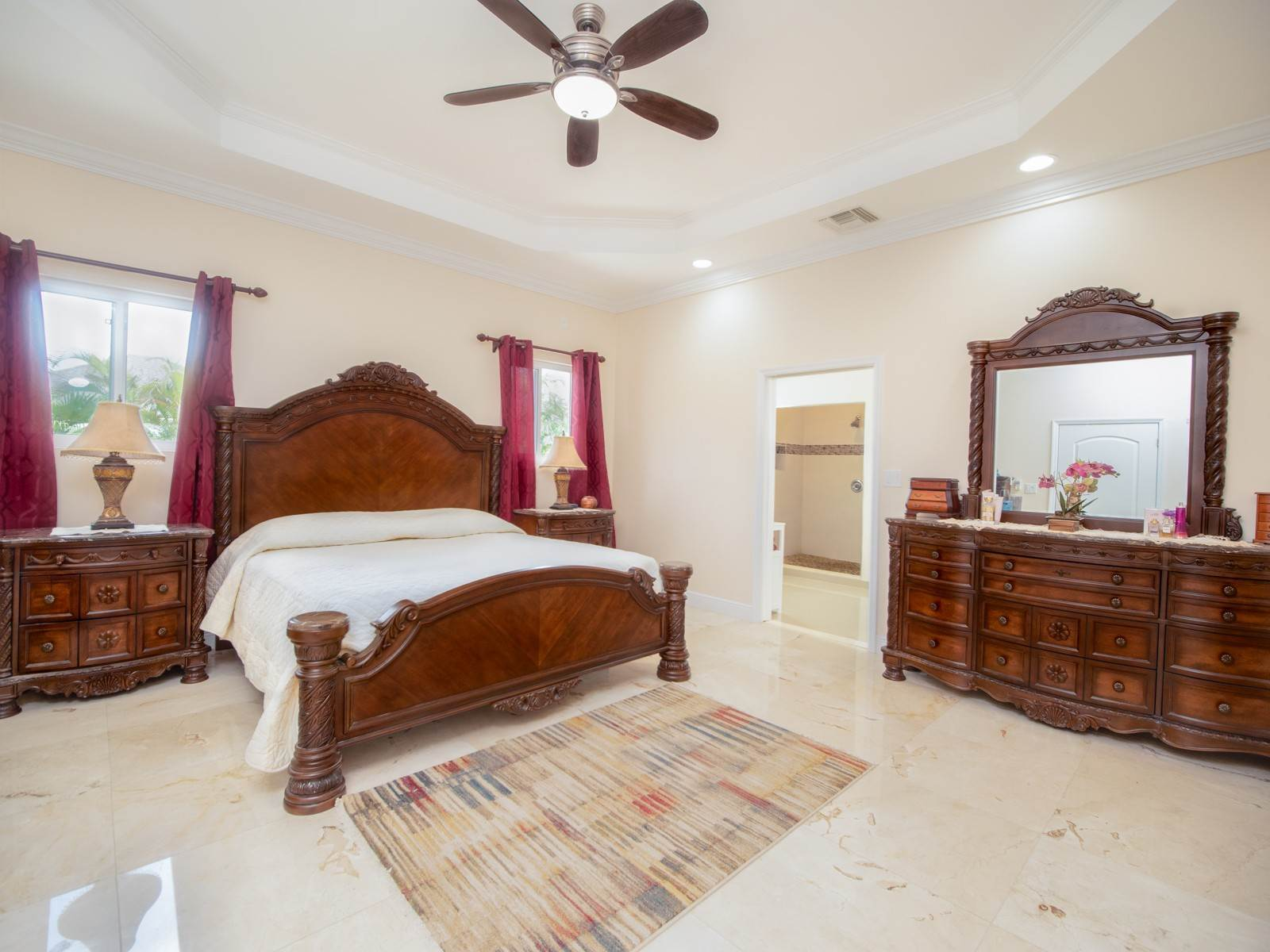 5. Single Family Homes for Sale at Villa Greenway House for Sale - MLS 41427 Charlotteville, Nassau And Paradise Island, Bahamas