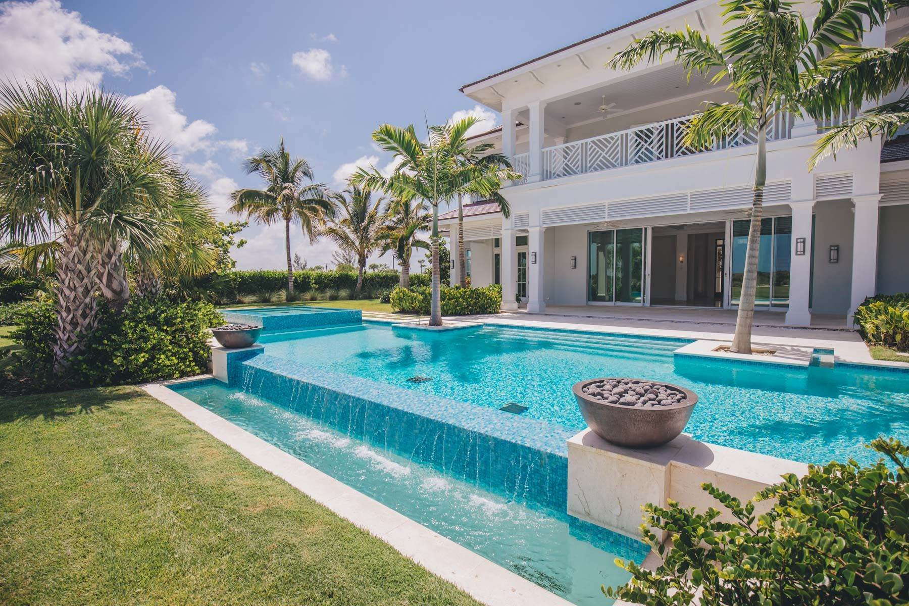 29. Single Family Homes for Sale at Immaculate Albany Golf Course Residence Albany, Nassau And Paradise Island, Bahamas
