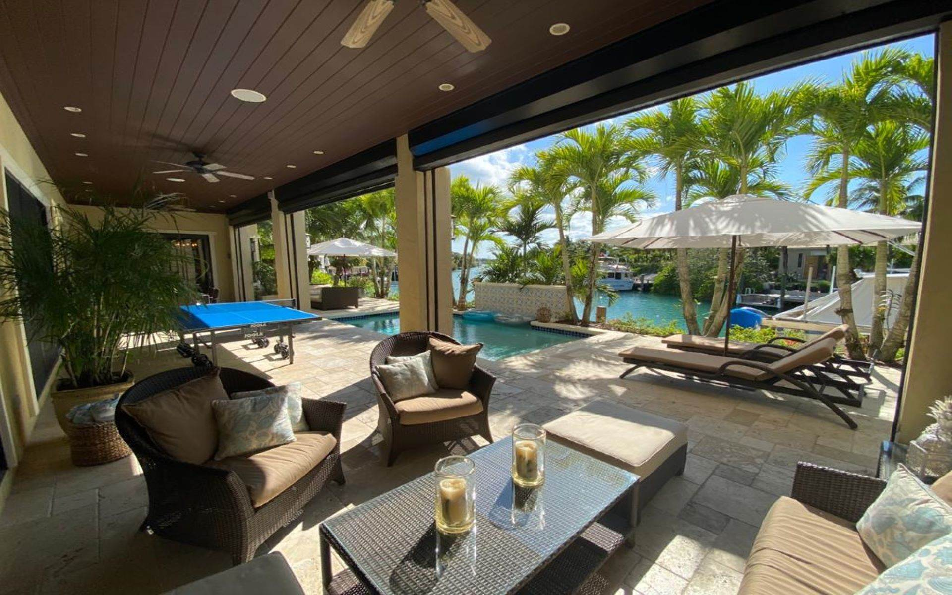 29. Single Family Homes for Sale at Immaculate House on Venetian Lane in Old Fort Bay Old Fort Bay, Nassau And Paradise Island, Bahamas