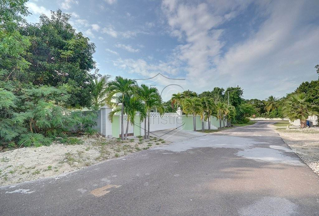 30. Single Family Homes for Rent at Modern family home in the East - MLS 40048 Camperdown, Nassau And Paradise Island, Bahamas