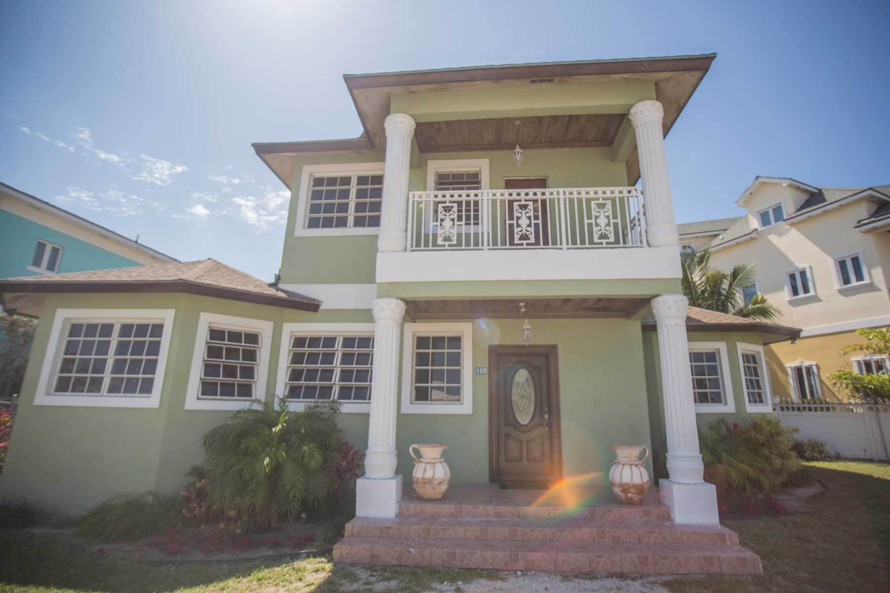 21. Single Family Homes por un Alquiler en Colonial West Two Storey Home for Rent - MLS 42280 Cable Beach, Nueva Providencia / Nassau, Bahamas
