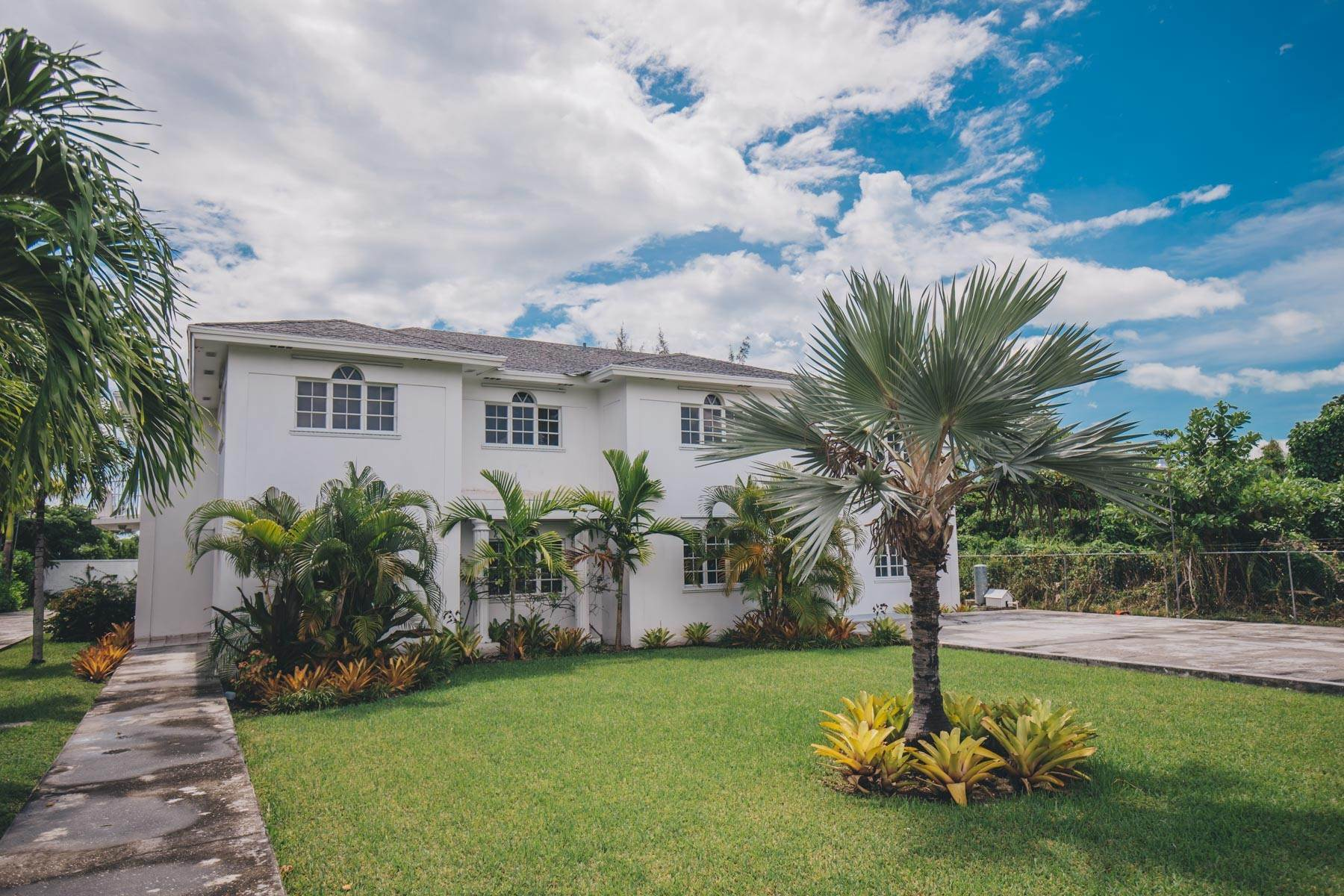 26. Single Family Homes for Rent at Excellent Family Home in Vista Marina - MLS 41677 Nassau And Paradise Island, Bahamas