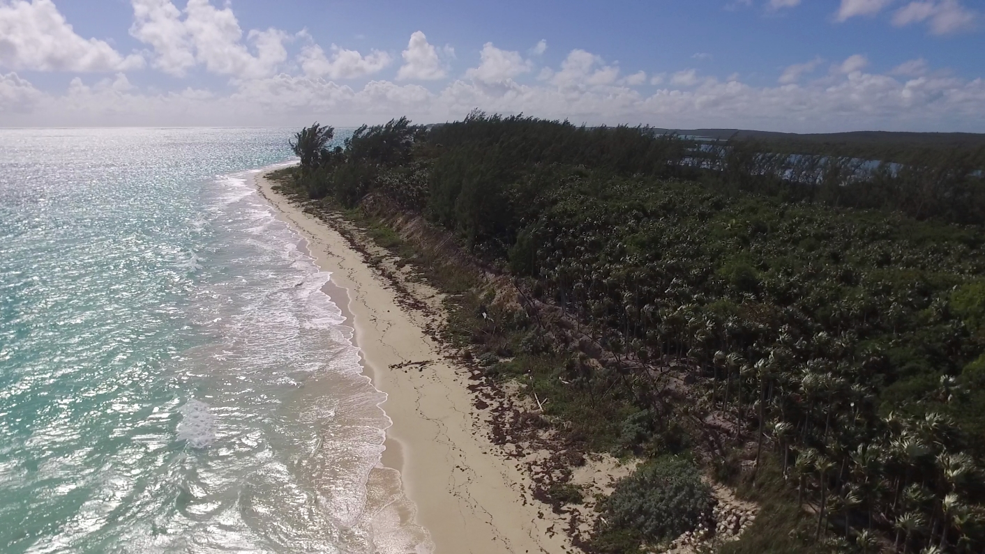 4. Land for Sale at Sea-to-Sea Beachfront Lot on Windermere Island - MLS 44293 Windermere Island, Eleuthera, Bahamas