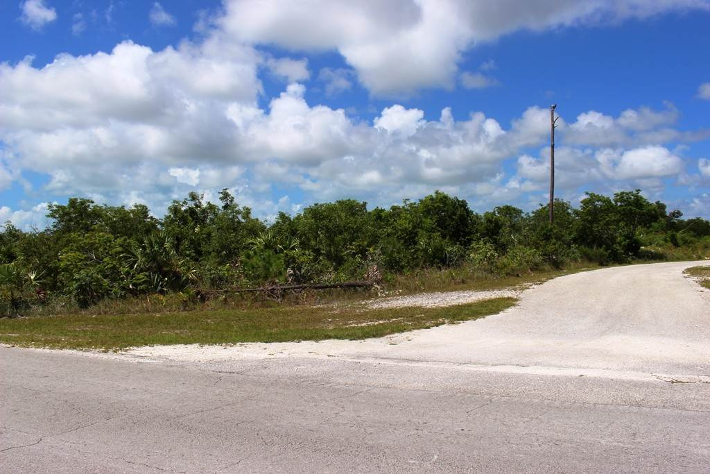 3. Terreno por un Venta en Single Family Lot on Yorkshire in Bahamia Bahamia, Gran Bahama Freeport, Bahamas
