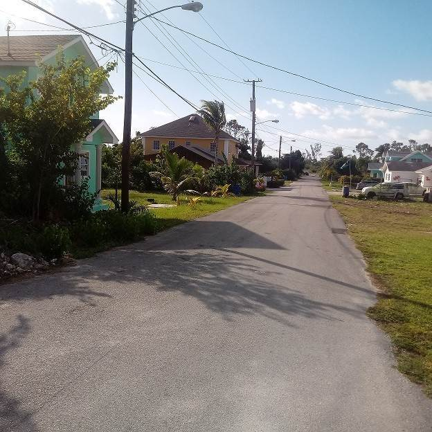 3. Single Family Homes por un Venta en Cottage and Foundation, Hamilton Subdivision, Carmichael Road Area - MLS 36790 Carmichael Road, Nueva Providencia / Nassau, Bahamas