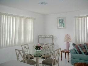 4. Multifamiliar por un Alquiler en Brand New Apartment for Rent Lucauan Waterway, Gran Bahama Freeport, Bahamas