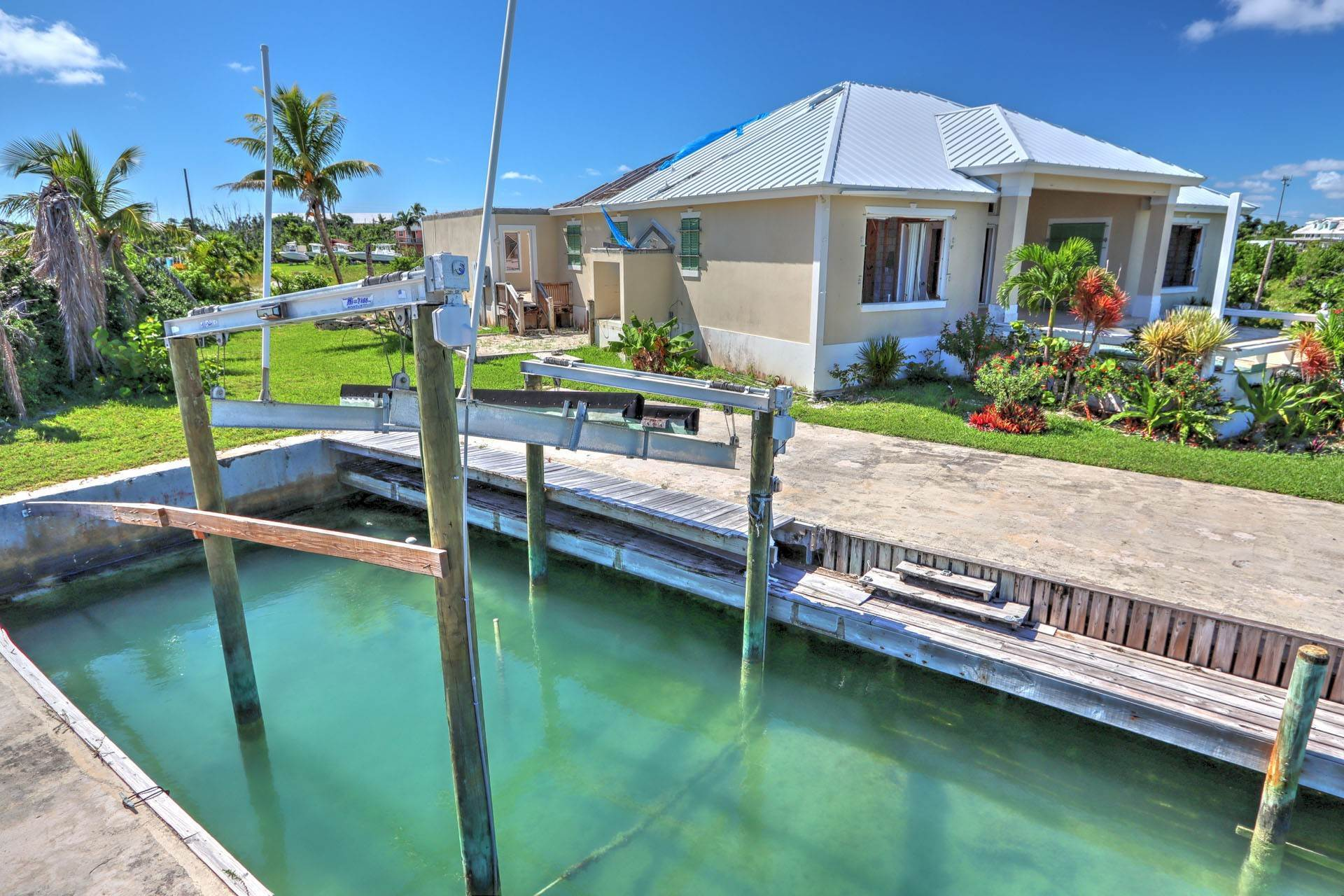 6. Single Family Homes por un Venta en #2 Royal Harbour, Marsh Harbour View Stately Home - MLS 41825 Marsh Harbour, Abaco, Bahamas