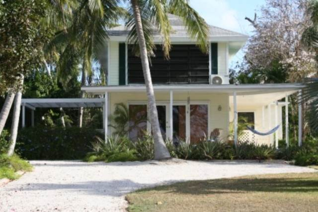 30. Single Family Homes for Sale at Tambourina Island Villa and Cottage, Eastern Road (MLS 24295) Eastern Road, Nassau And Paradise Island, Bahamas