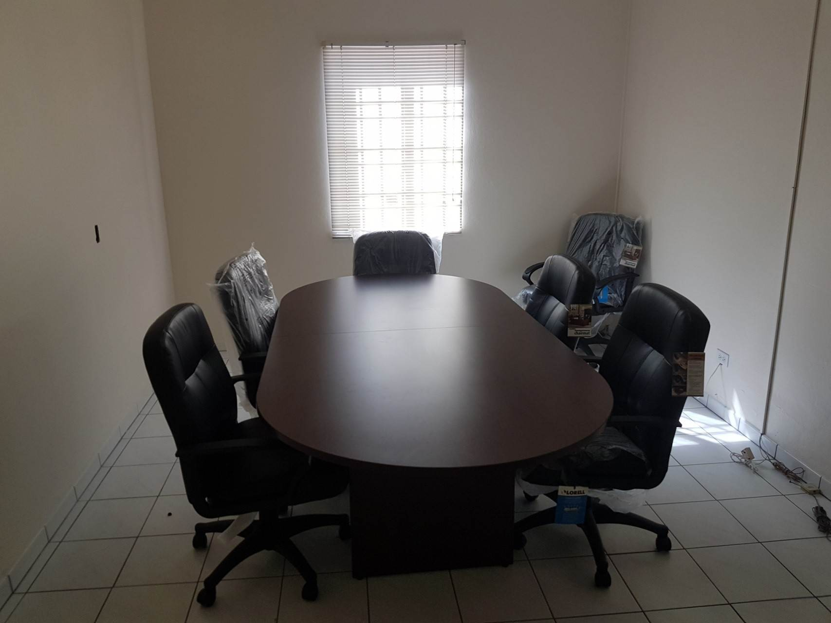 3. Commercial for Rent at Downtown Office Space With Parking Downtown, Nassau And Paradise Island, Bahamas