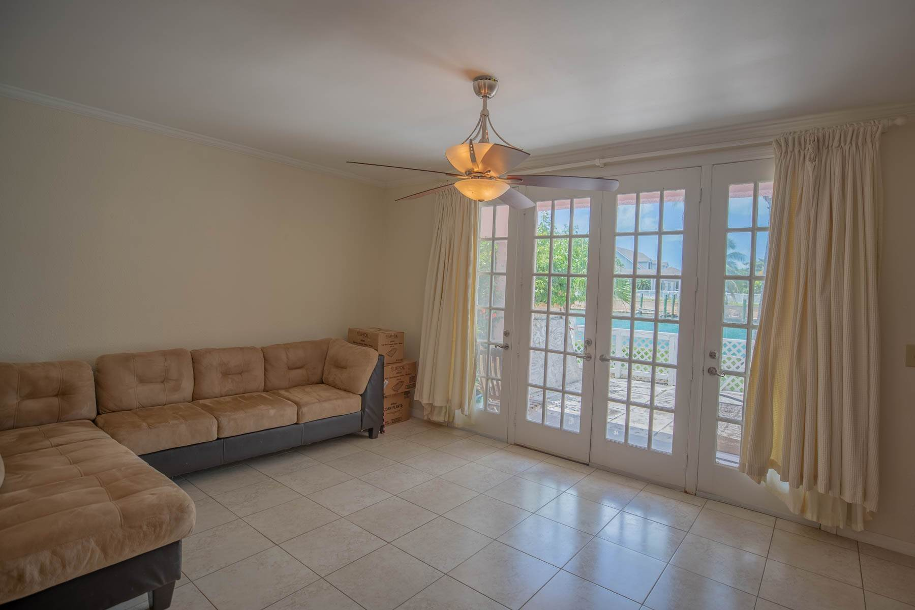 3. Co-op / Condo for Rent at #32 Seapointe, Exclusive Condo in Port New Providence - MLS 42138 St Andrews Beach, Yamacraw, Nassau And Paradise Island Bahamas
