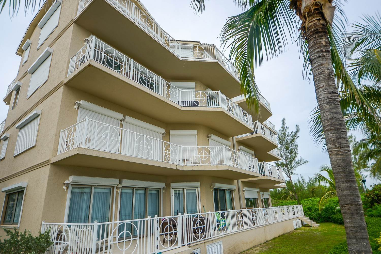 3. Co-op / Condo for Rent at Trophy Penthouse at Love Beach Walk - MLS 43820 Love Beach, Nassau And Paradise Island, Bahamas