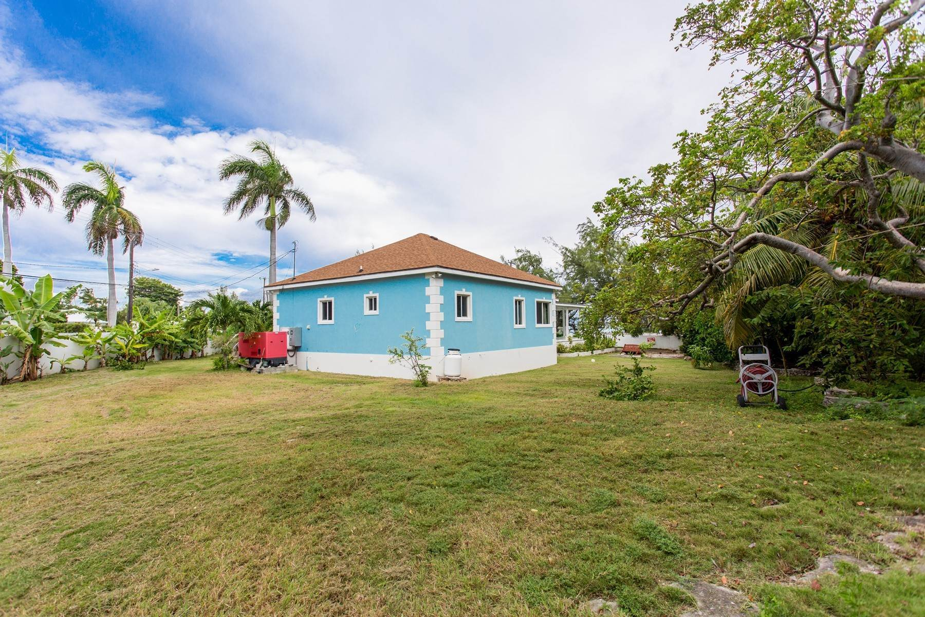 31. Single Family Homes for Sale at Eastern Road / Winton Highway Beautiful Sea Views - For Sale or Rent - MLS 39025 Eastern Road, Nassau And Paradise Island, Bahamas