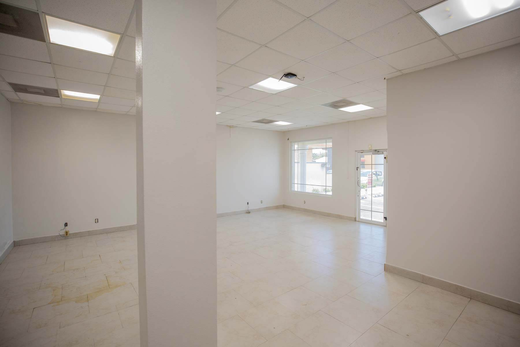 14. Commercial for Rent at Unique Discovery Plaza Upper Floor Office Space - MLS 33337 Nassau And Paradise Island, Bahamas