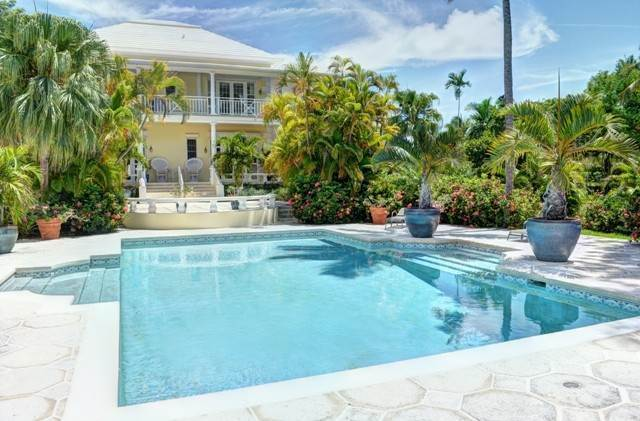 32. Single Family Homes for Sale at The Columns Eastern Road Eastern Road, Nassau And Paradise Island, Bahamas