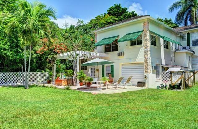 24. Single Family Homes for Sale at Tambourina Island Villa and Cottage, Eastern Road (MLS 24295) Eastern Road, Nassau And Paradise Island, Bahamas
