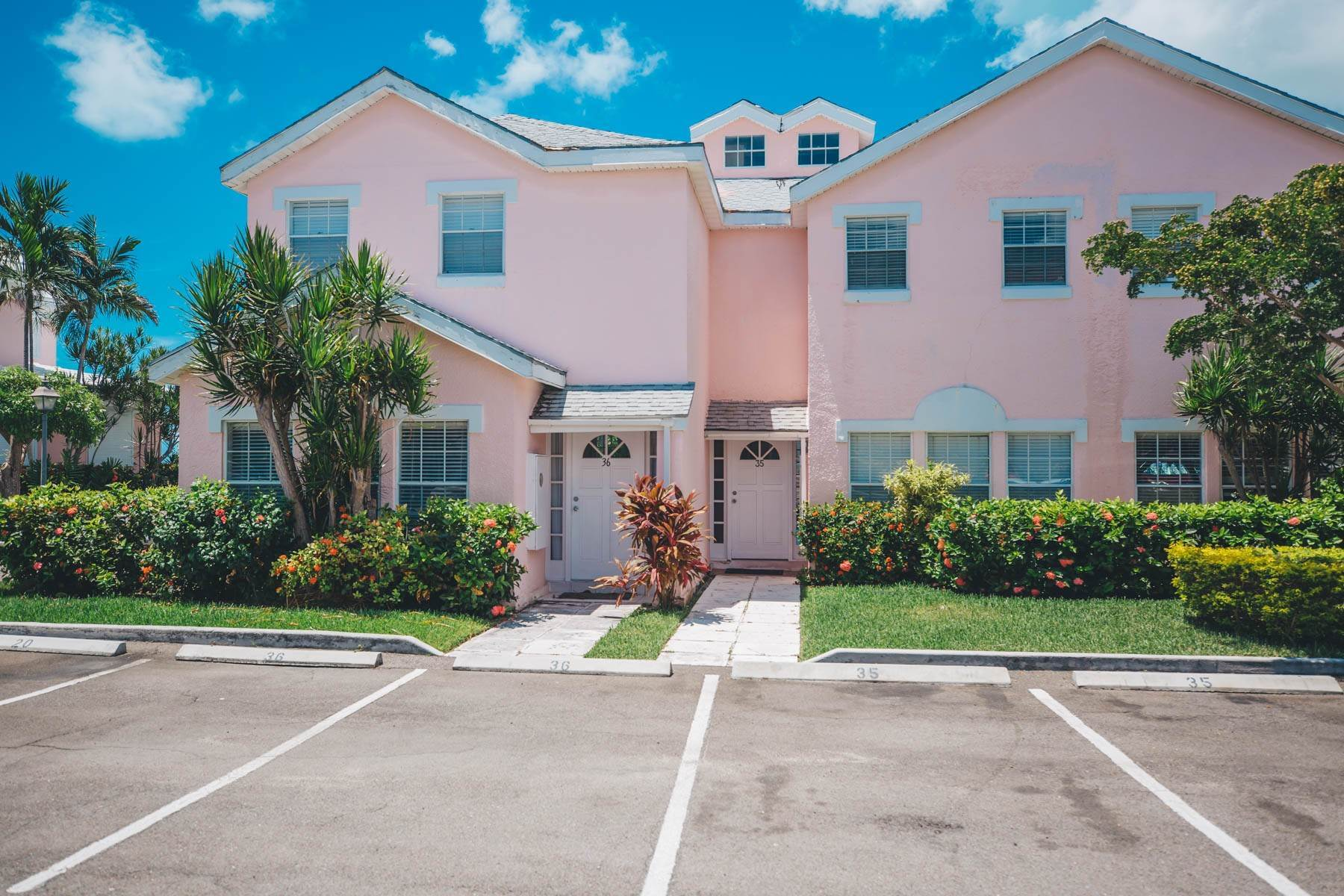 32. Co-op / Condo for Rent at #32 Seapointe, Exclusive Condo in Port New Providence - MLS 42138 St Andrews Beach, Yamacraw, Nassau And Paradise Island Bahamas
