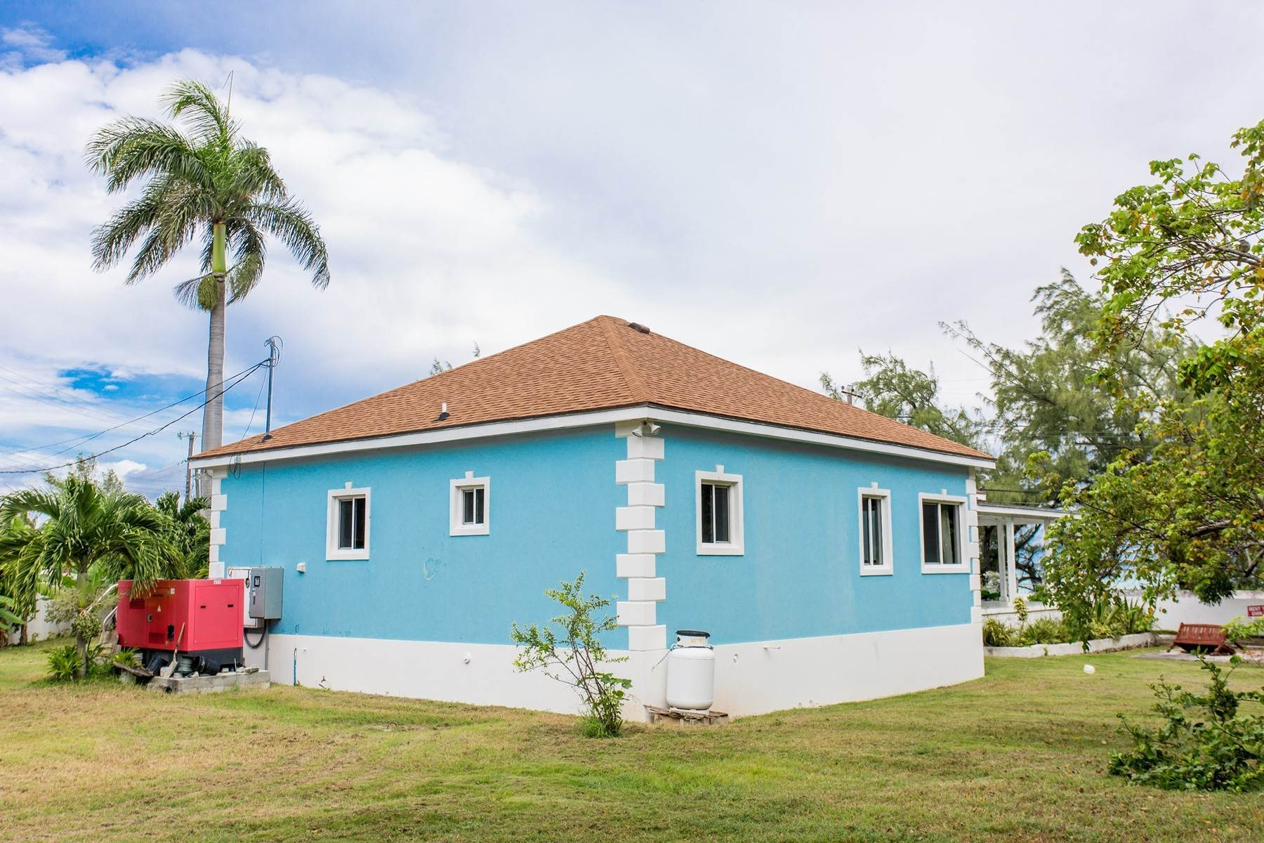 32. Single Family Homes for Sale at Eastern Road / Winton Highway Beautiful Sea Views - For Sale or Rent - MLS 39025 Eastern Road, Nassau And Paradise Island, Bahamas