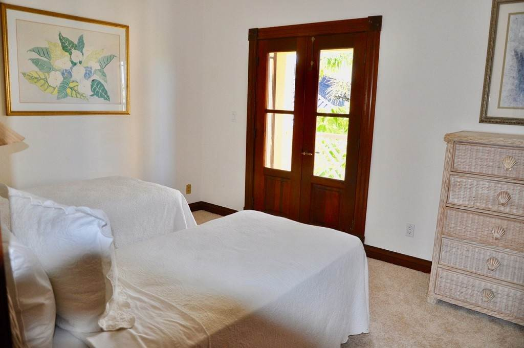 34. Co-op / Condominio por un Alquiler en Spectacular Townhouse at Grand Bahama Yacht Club for sale or rent! Bell Channel, Lucaya, Gran Bahama Freeport Bahamas