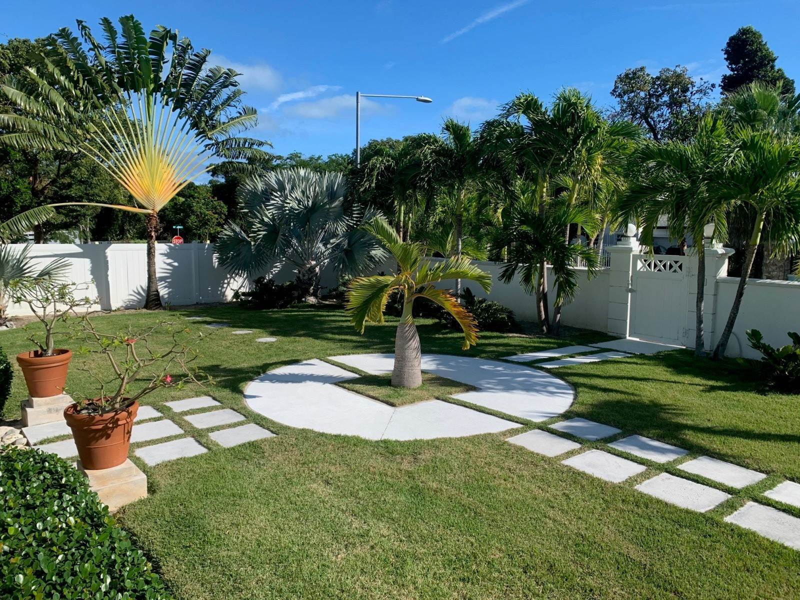 23. Single Family Homes for Rent at Modern family home in the East - MLS 40048 Camperdown, Nassau And Paradise Island, Bahamas