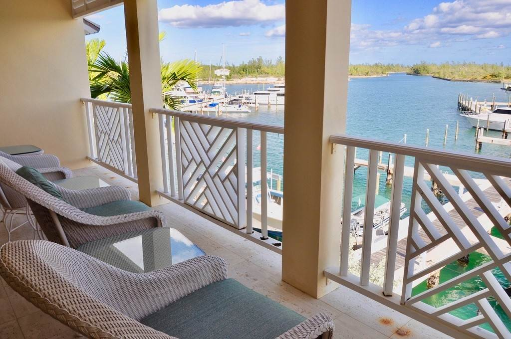 36. Co-op / Condominio por un Alquiler en Spectacular Townhouse at Grand Bahama Yacht Club for sale or rent! Bell Channel, Lucaya, Gran Bahama Freeport Bahamas