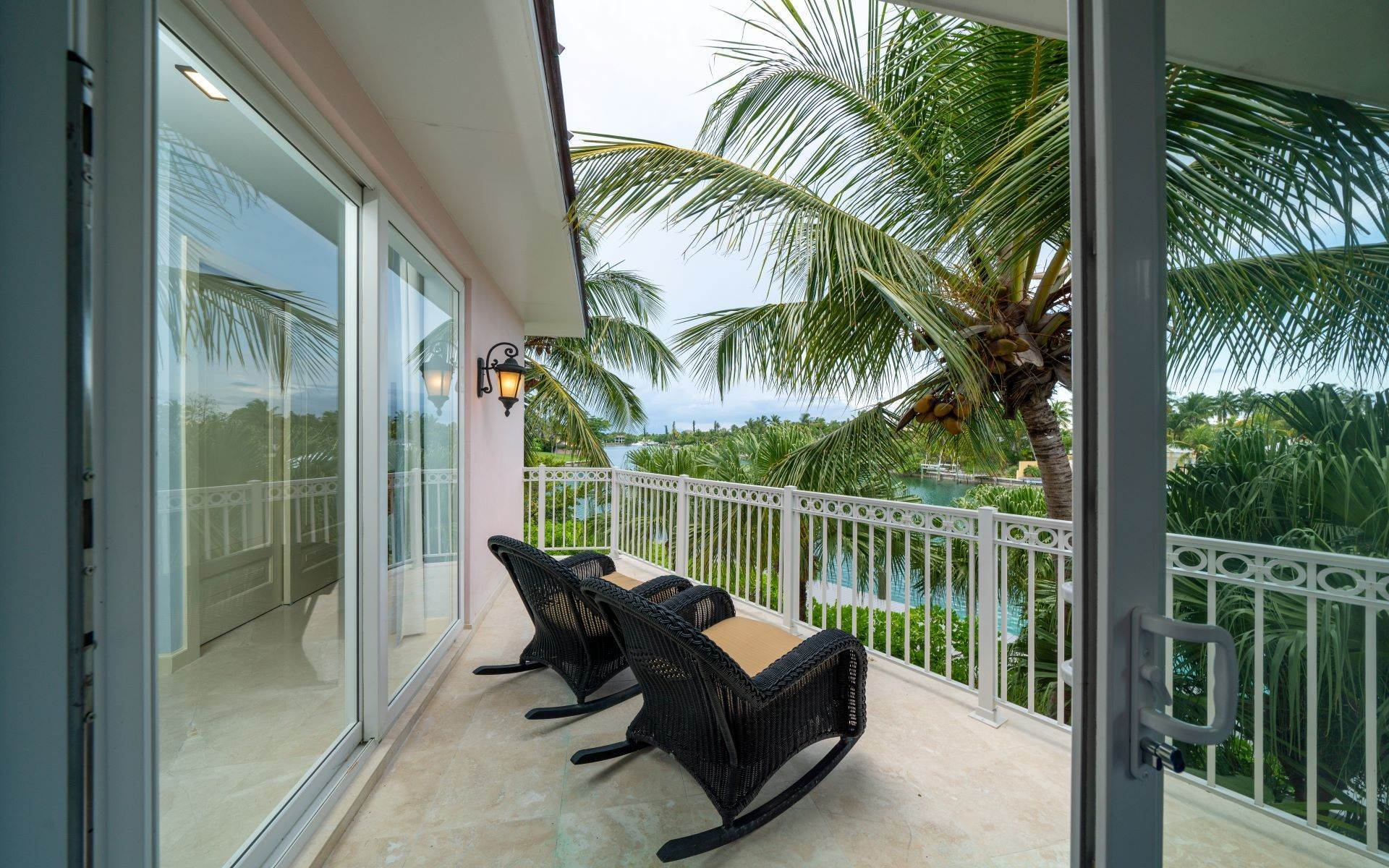 50. Single Family Homes for Sale at Luxurious Lyford Cay Canalfront Estate - MLS 40934 Lyford Cay, Nassau And Paradise Island, Bahamas